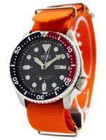 O relógio dos homens da correia NATO 200M NATO do mergulhador de Seiko SKX009J1-NATO7